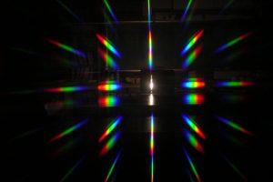 分光つつで見る照明の進化〈パナソニックセンター東京〉