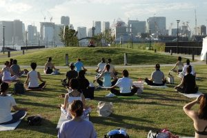 Sunset Yoga in 潮風公園
